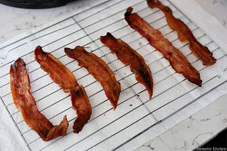 cooked bacon on a wire rack