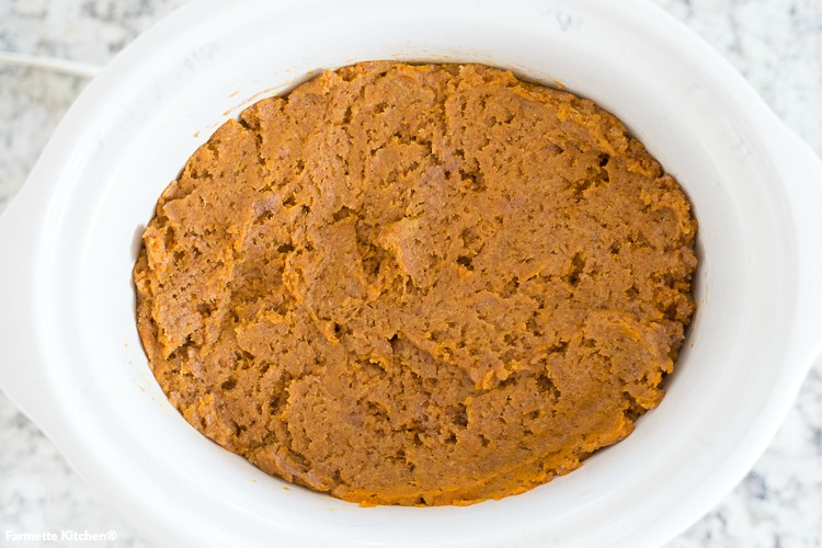 pumpkin dump cake in the slow cooker